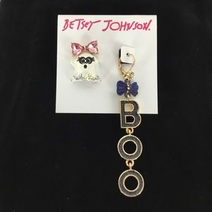 NWT Betsey Johnson BOO & Ghost Mismatch Earrings